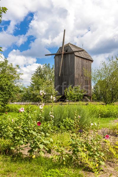 Windmolen park land buitenshuis Polen Stockfoto © phbcz