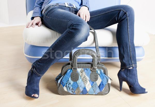 Détail femme bleu chaussures sac à main Photo stock © phbcz