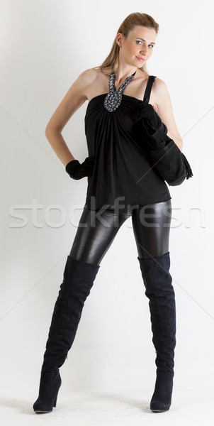 Permanente vrouw zwarte kleding handtas Stockfoto © phbcz