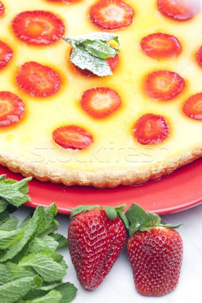 Bolo de morango comida bolo frutas de morangos Foto stock © phbcz