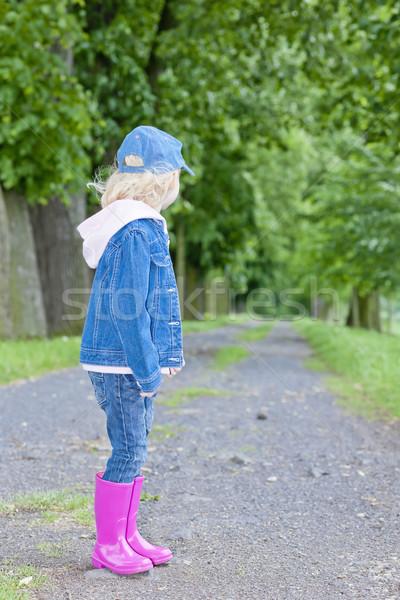 Bambina indossare stivali di gomma primavera vicolo ragazza Foto d'archivio © phbcz