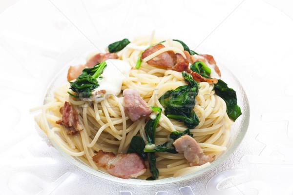 Spaghetti spinazie spek mozzarella plaat maaltijd Stockfoto © phbcz