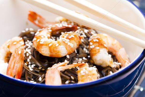 Japán tészta garnélák szójaszósz mártás szezám Stock fotó © phbcz