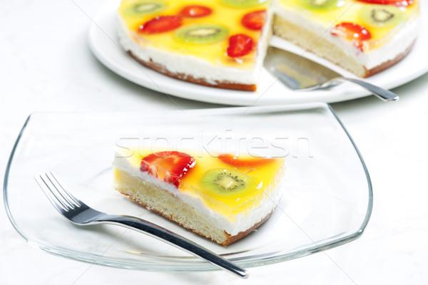 Fruitcake voedsel cake vruchten kiwi aardbeien Stockfoto © phbcz