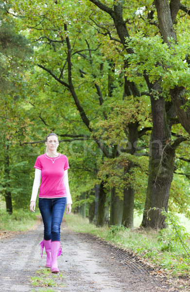 Vrouw steegje vrouwen mode Stockfoto © phbcz
