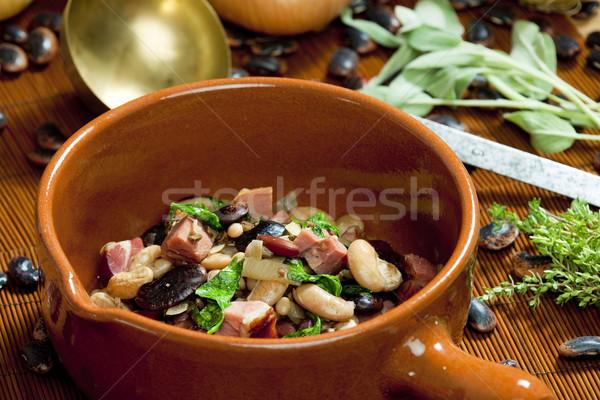 Mélange fèves fumé viande alimentaire plats Photo stock © phbcz