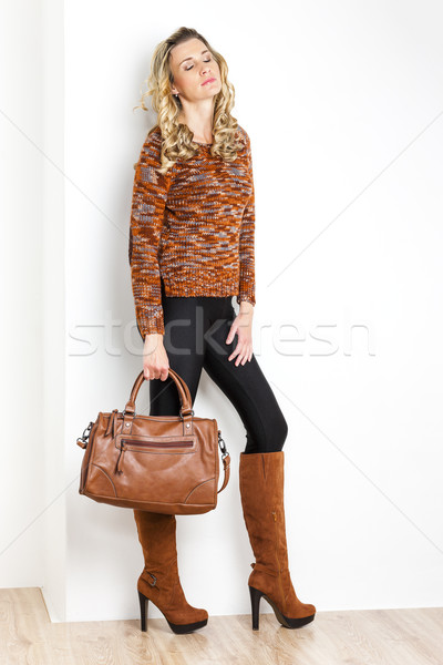 Stałego kobieta modny brązowy buty Zdjęcia stock © phbcz