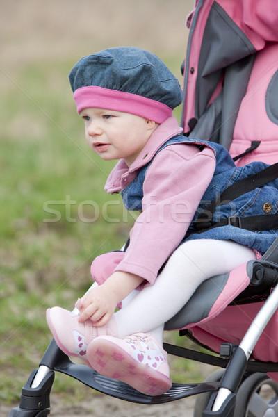 Vergadering kinderwagen kinderen kind meisjes Stockfoto © phbcz
