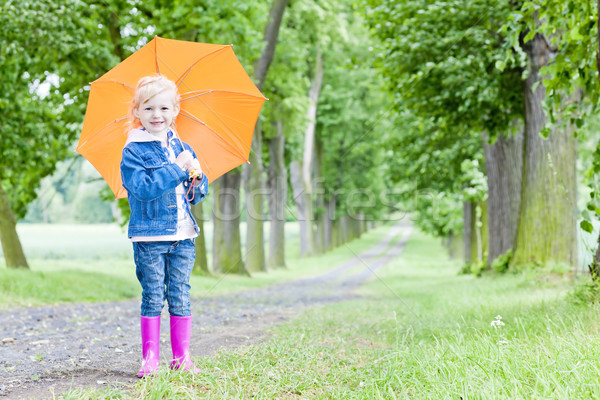 Little girl guarda-chuva primavera beco menina criança Foto stock © phbcz