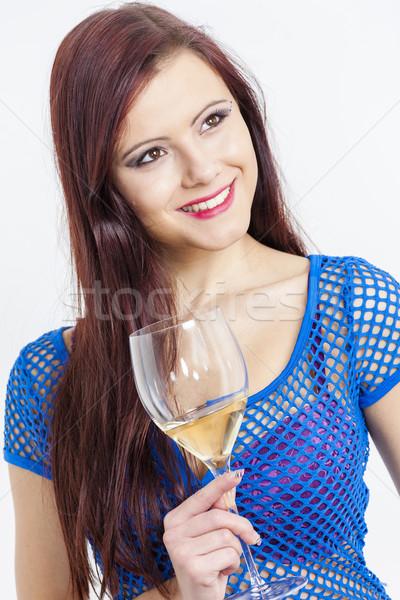 Portret jonge vrouw glas witte wijn vrouw jonge Stockfoto © phbcz