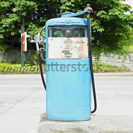Starych stacja benzynowa Irlandia paliwa stacji benzynowej benzyny Zdjęcia stock © phbcz