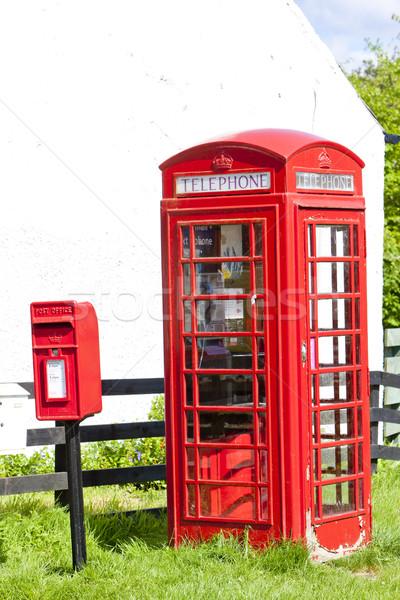 Téléphone boîte aux lettres Écosse téléphone rouge Photo stock © phbcz