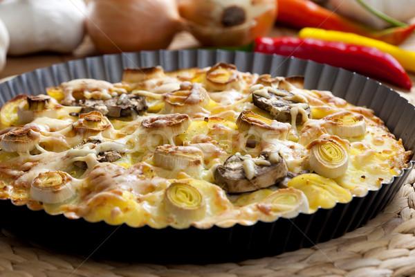 Krumpli torta póréhagyma étel zöldség gomba Stock fotó © phbcz