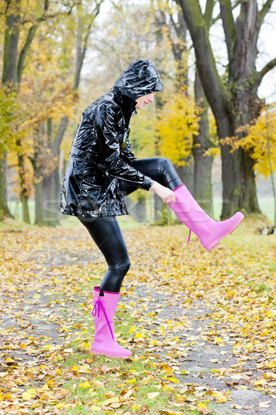 Mulher beco outono feminino cair Foto stock © phbcz