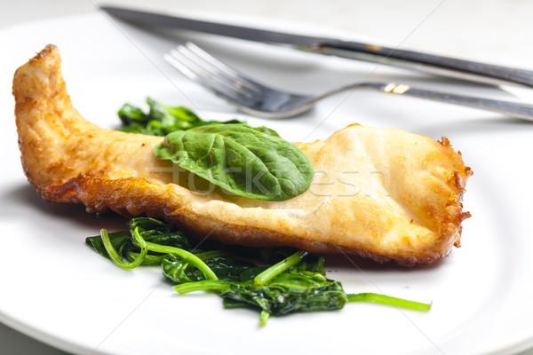 Truta cerveja peixe prato faca refeição Foto stock © phbcz