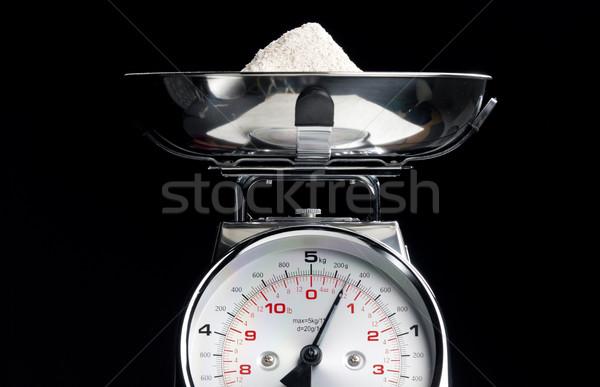 Cuisine échelles farine alimentaire poids mesure Photo stock © phbcz