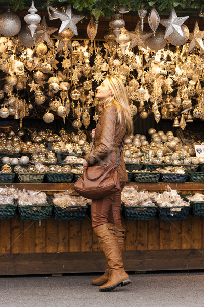Mulher natal mercado Viena Áustria compras Foto stock © phbcz