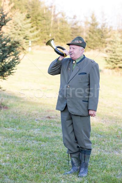 Vadász vadászat duda férfi ősz kalap Stock fotó © phbcz