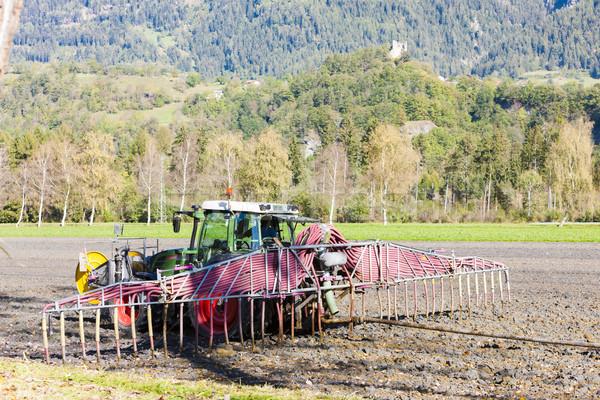 Trator campo maquinaria ao ar livre um Foto stock © phbcz