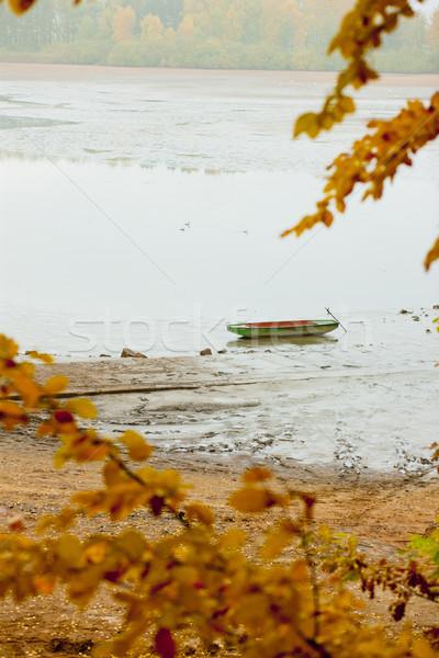 Jesienny staw Czechy drzewo łodzi jesienią Zdjęcia stock © phbcz