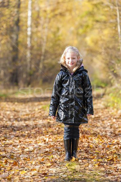 Bambina indossare stivali di gomma natura ragazza Foto d'archivio © phbcz