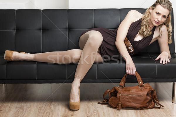 Vrouw handtas sofa schoenen persoon Stockfoto © phbcz