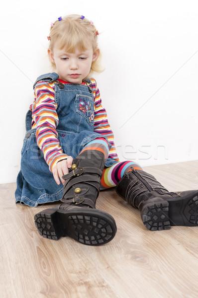 Küçük kız bot kız çocuk çocuk zemin Stok fotoğraf © phbcz