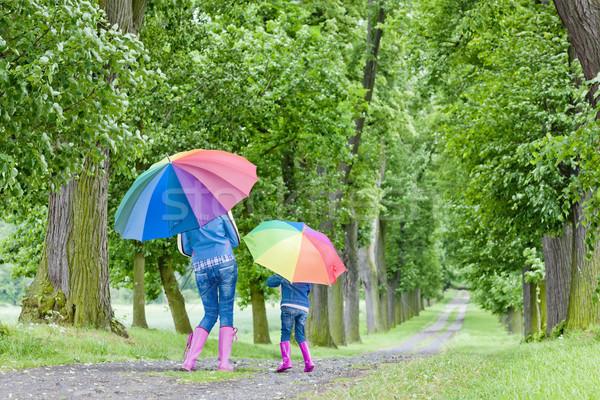 Moeder dochter parasols voorjaar steegje vrouw Stockfoto © phbcz