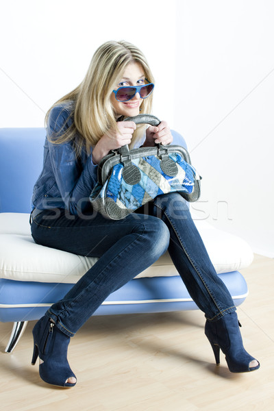 Vrouw Blauw kleding handtas vergadering Stockfoto © phbcz