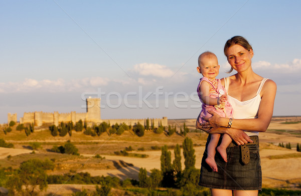 Mãe menina castelo mulher família amor Foto stock © phbcz