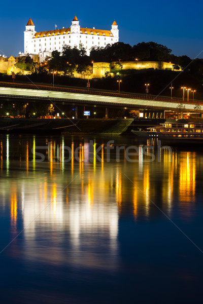 Bratislava castel noapte Slovacia oraş călători Imagine de stoc © phbcz