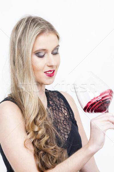 Portrait jeune femme verre vin rouge femme jeunes Photo stock © phbcz