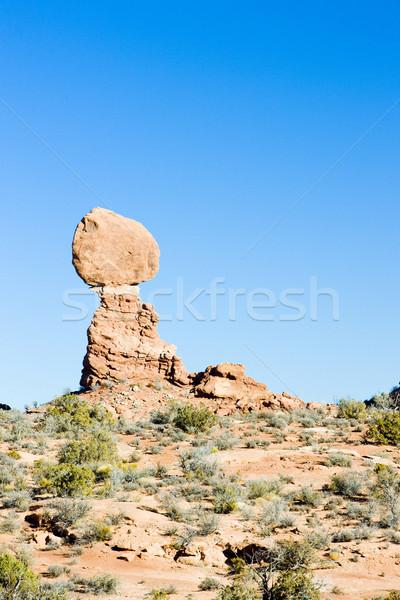 Zrównoważony rock parku Utah USA skał Zdjęcia stock © phbcz
