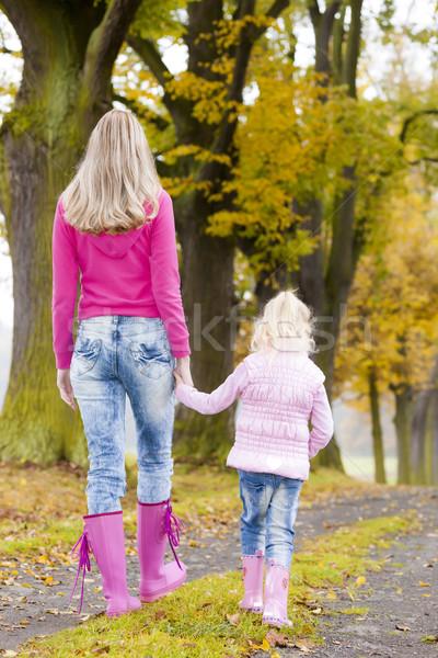 Mãe filha beco mulher criança Foto stock © phbcz