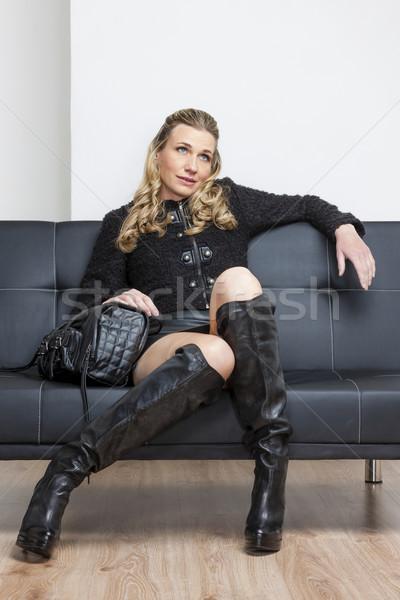 女性 着用 黒 服 ブーツ 座って ストックフォト © phbcz