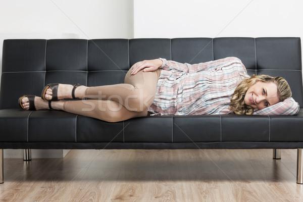 Vrouw zomerschoenen sofa persoon stijl Stockfoto © phbcz