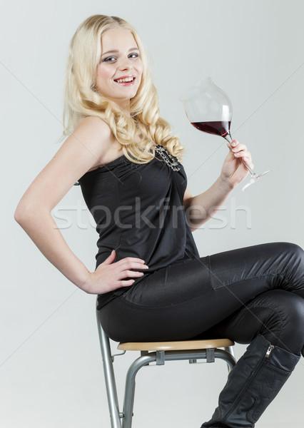 ül fiatal nő üveg vörösbor nő személy Stock fotó © phbcz