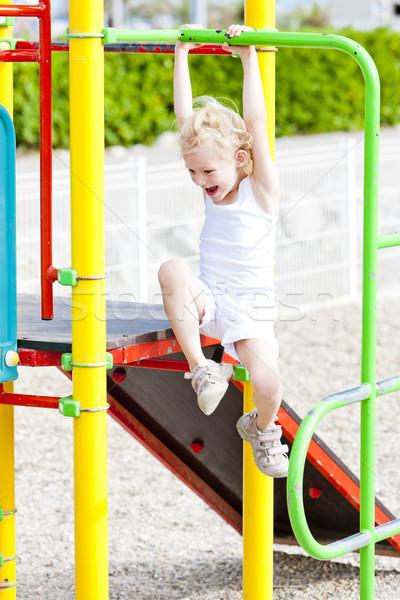Dziewczynka boisko dziewczyna dziecko lata relaks Zdjęcia stock © phbcz