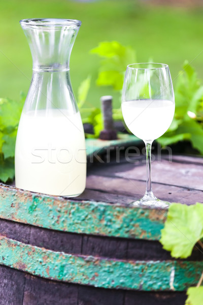 Verre de vin vin cidre permanent alcool Photo stock © phbcz