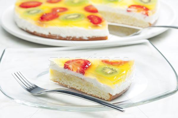 Pastel de frutas alimentos torta frutas kiwi fresas Foto stock © phbcz