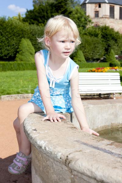 Kislány szökőkút lány gyermek gyerek személy Stock fotó © phbcz