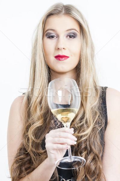 Retrato vidrio vino blanco mujer jóvenes Foto stock © phbcz