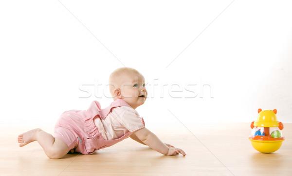 Kislány kúszás játék padló gyerekek gyermek Stock fotó © phbcz