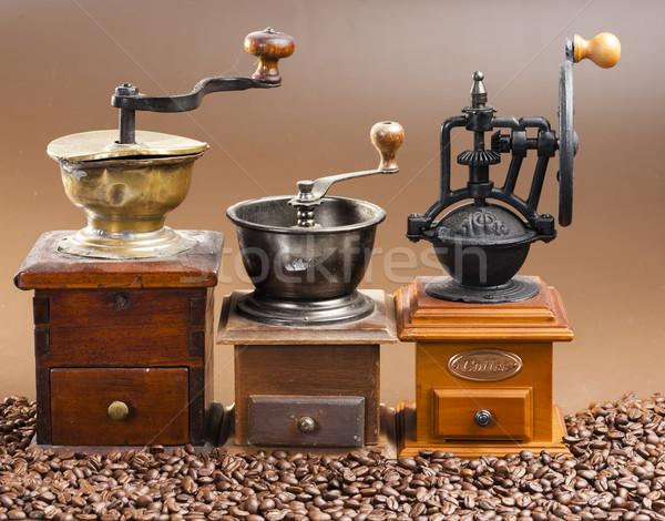 Kawy fotele ziemi obiektu trzy wewnątrz Zdjęcia stock © phbcz