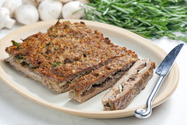 Boeuf viande herbes alimentaire couteau champignons Photo stock © phbcz