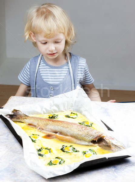 Portrait petite fille truite saumon fille Photo stock © phbcz