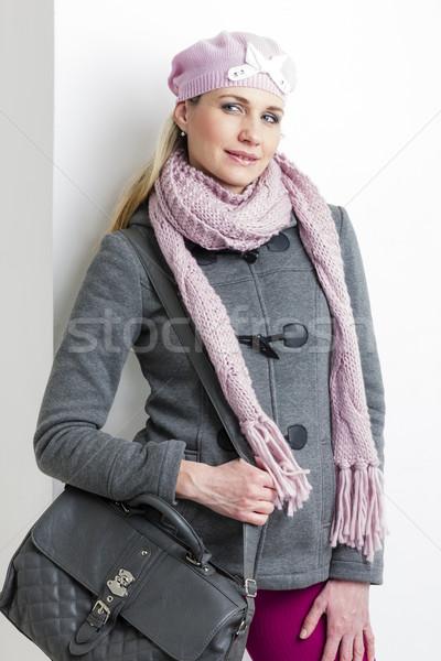 Portrait femme hiver vêtements sac à main Photo stock © phbcz