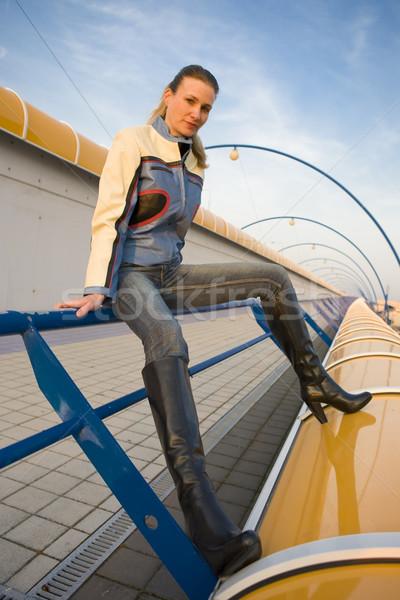Mulher habitação moda sapato sozinho Foto stock © phbcz