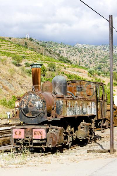Oude locomotief vallei Portugal machine vervoer Stockfoto © phbcz