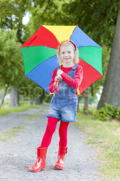 Little girl guarda-chuva beco menina criança jeans Foto stock © phbcz